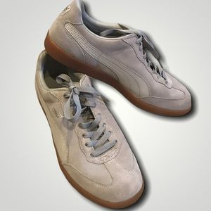 PUMA shoes gray suede low top gum sole 